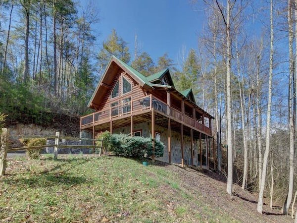 Relaxation Retreat Cabin in Sevierville TN