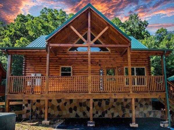 Creekside Retreat Cabin in Pigeon Forge TN