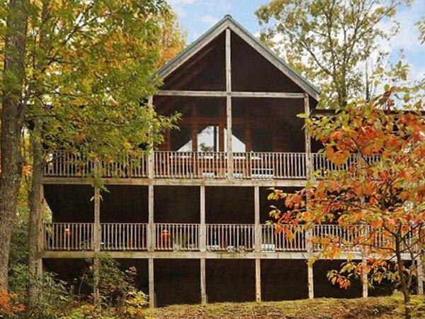 Cubby Bear Cabin in Gatlinburg TN