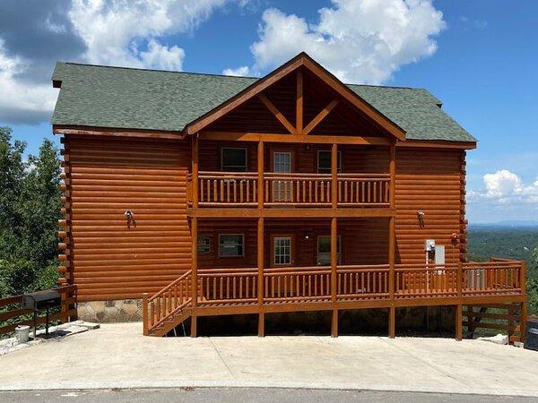 Hibernation Station Cabin in Sevierville TN